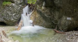 Kaplnkový vodopád, Kyseľ Ferrata HZS