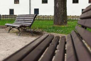 Park s lavičkami v Levoči