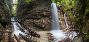 Machový vodopád - panoráma