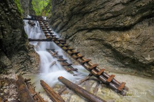 Kaskády pri Machovom vodopáde