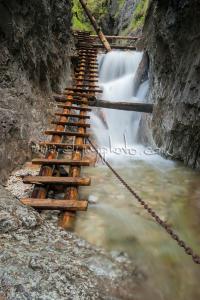 Kaskády v rokline Piecky nad Veľkým vodopádom