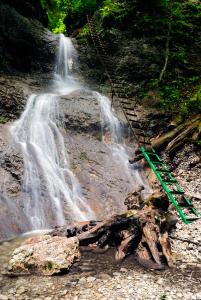 Terasový vodopád - roklina Piecky