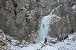 Ľadolezci v rokline Piecky