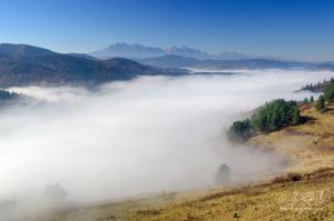 Výhľad z Lesnického sedla na Tatry