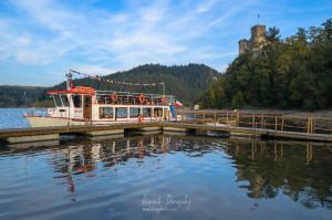 Vyhliadková loď pod hradom Niedzica
