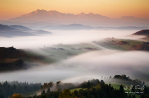 Jesenné ráno nad Lesníckym sedlom