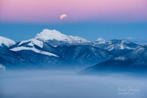 Zatmenie Mesiaca nad Veľkým Rozsutcom