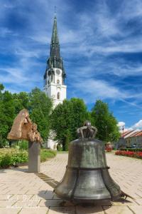 Pamätník Majstrovy Konrádovy a veľký kostol