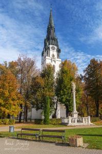 Lavička pod veľkým kostolom