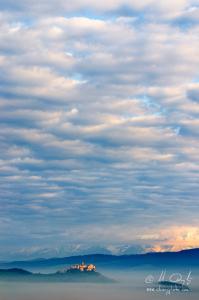 Spišský hrad pod oblakmi