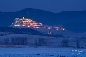 Osvetlený Spišský hrad a Kapitula