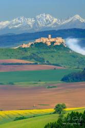 Spišský hrad s Tatrami v pozadí
