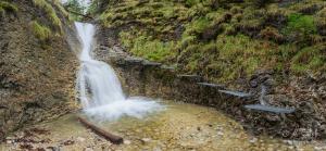 Korytový vodopád