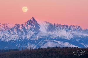 Mesiac nad Kriváňom